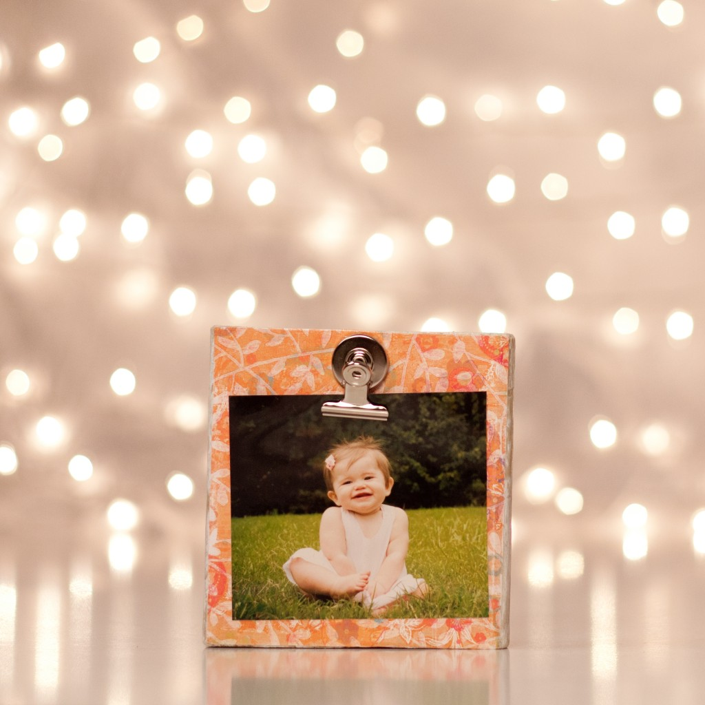square wood block frame 1 1024x1024 12 Crafts of Christmas {DIY Photo Display Blocks}